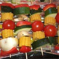 Bunte Gemüsespieße