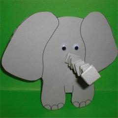 Elefant mit Hexentreppenrüssel